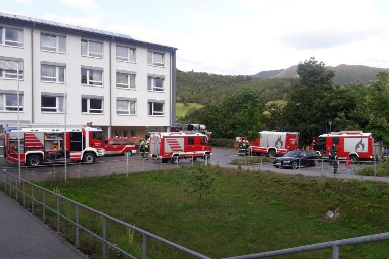 Batterie-Brand im Technikraum des Altersheims