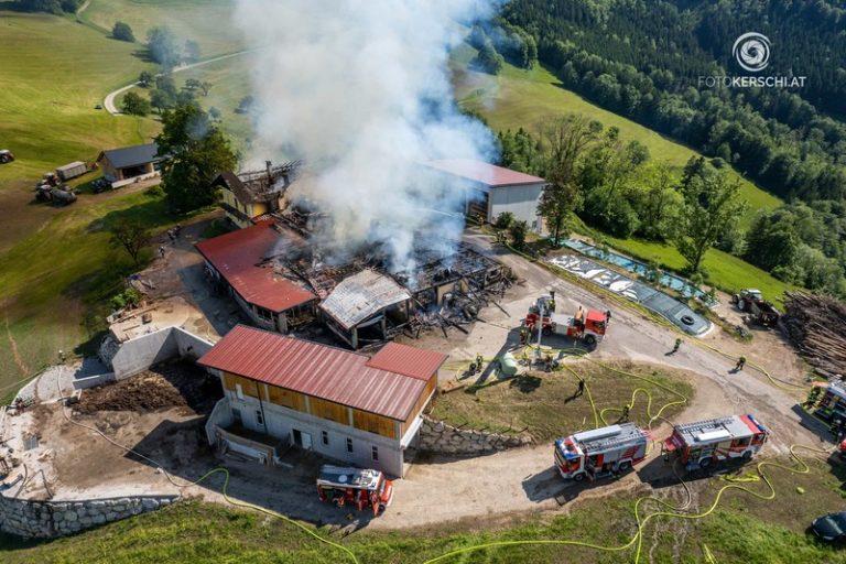 Großbrand eines Bauernhofes in Maria Neustift